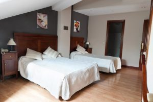 Habitación Triple Matrimonio Hotel Restaurante Asador Algete